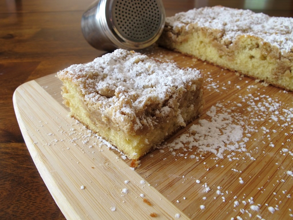The Perfect Crumb Cake – Tina's Chic Corner