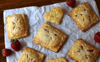 04Strawberry Hand Pies