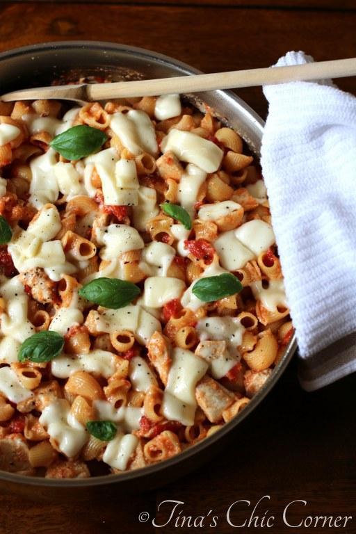 Skillet Pasta And Chicken Parmesan – Tina's Chic Corner