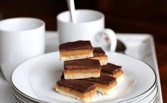Chocolate Caramel Shortbread Squares09