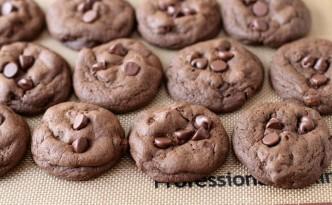 Double Chocolate Chunk Cookies01