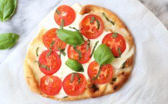 Margherita Naan Pizza05